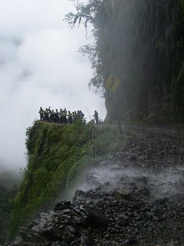 Ciclismo cascada Carretera de la Muerte Bolivia