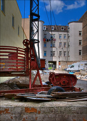 livin' on a back yard (Romtomtom) Tags: street mannheim citywalk nikond300 1685mmf3556gvr