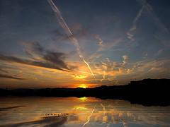 "#51""/09 (emasplit) Tags: sunset sky clouds colours platinumphoto emasplit theunforgettablepictures explore2009 obramaestra"