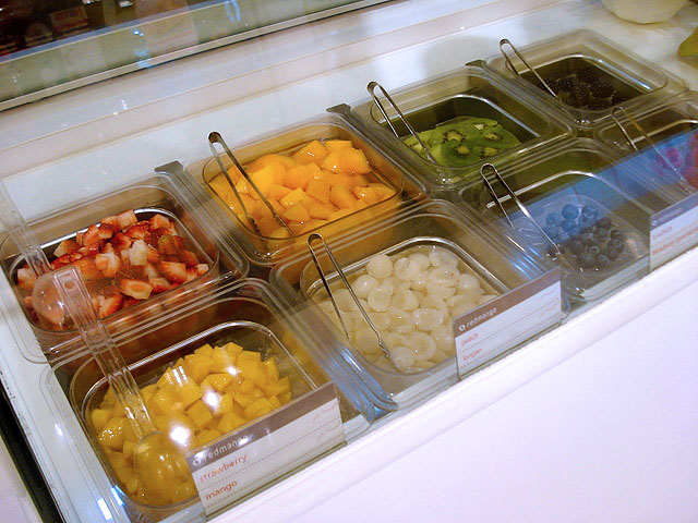 Lots of fresh fruit for toppings