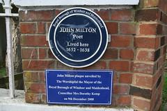 Photo of John Milton blue plaque