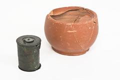 Tinteros de cerámica y bronce nielado y plata (Museo Nacional de Arte Romano) Tags: ceramica arte romano merida museo consorcio nacional monumental bronce tinteros