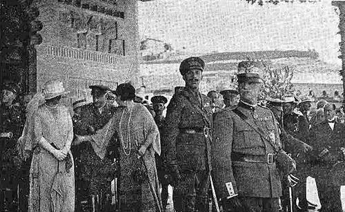 10 junio 1924. Visita de los Reyes de España e Italia a Toledo. Despedida en la estación. Foto Rodríguez