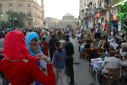 El Cairo envuélvase en su atmosfera