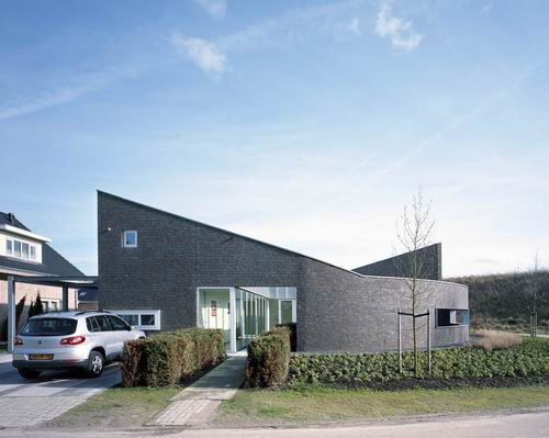 Modern House Design in Hoogeveen Netherland by Bureau B+O Architecten 08