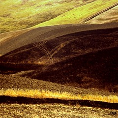 Burned Fields / Il debbio (Osvaldo_Zoom) Tags: hot lines rural landscape fire curves soil crop fields sicily agriculture burned globalwarming co2 arable debbio