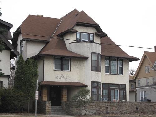Former Delta Delta Delta House?