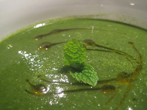 Pea & Spinach Soup with Tarragon & Thyme