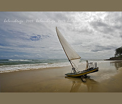 ... she is preparing to dance on the waves... (helenabraga) Tags: sea boat mar cear jangada bej helenabraga goldstaraward