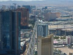 The Las Vegas Strip seen from Stratosphere (Iwan Evans) Tags: treasureisland lasvegas caesarspalace fashionshow circuscircus themirage lasvegasstrip thehilton wynnhotel encorehotel