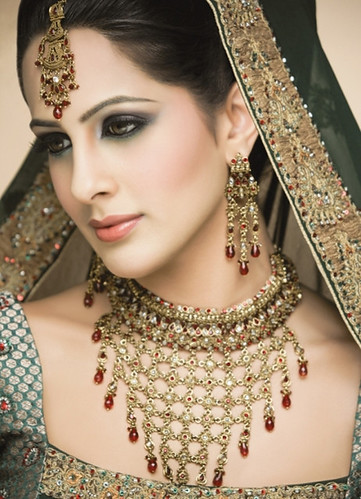 asian bridal wear_pakistani wedding dresses_wedding gowns_wedding rings