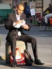 Bon apptit! (AFIK  BERLIN) Tags: man hot guy socks kreuzberg evening lad suite guapo so36 bloke ragazzo abendstimmung bonapptit erkek shab dnerkebap manscent streetdinner wohlbekomms bomapetit