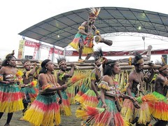 Lake Sentani Festival (Mangiwau) Tags: lake festival dancing traditional kampung papua mande tari guay danau tradisional masyarakat perang kebudayaan sentani airu jayapura isolo distrik depapre demta nimbokrang nimboran gresi onomi fokha nokloi pompang waibu namblong kemtuk unurum yapsi