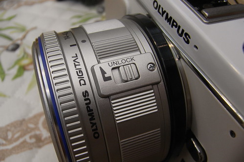 OLYMPUS PEN digital E-P1 14-42mm (by HAMACHI!)