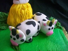 cow (Enchanted Cakes of Brevard) Tags: cow gumpaste