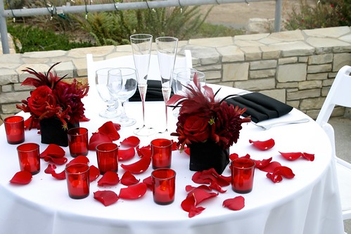 Red, white and black sweetheart table setup