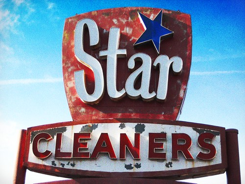 Retro Star Cleaners Sign in Richmond, VA