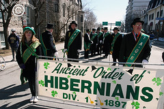 StPatsParadeSM_20090322_001 (DawnOne) Tags: irish canada heritage st start dawn stand photo day mayor quebec montreal  parade gerald linda 09 politicians leader patricks bloc hammond gilles tremblay dignitaries reviewing quebecois duceppe indyfotocom quebequois