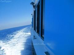 Blue. (EX-CUENTA Pau Pepper) Tags: blue sky water azul boat mar agua heaven barco infinity cielo infinito navegar swin