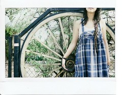 (Dream in Lomo) Tags: film polaroid fuji instax papeles instantnea