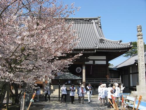 Day13 - 01 - 曼荼羅寺 (Temple72)