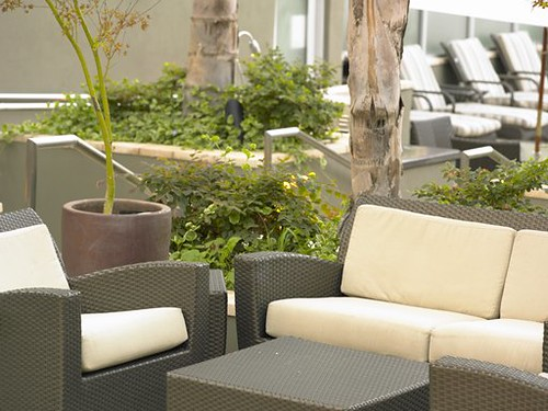 Los Angeles Apartments - Hillcreste Apartments - Westwood/Century City - Swimming Pool Deck Area