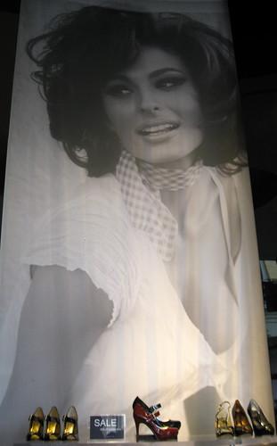 sophia loren guess. Guess Model / Sophia Loren ?