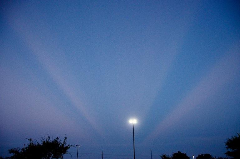 Anticrepuscular rays