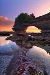 Pura Batu Bolong - Tanah Lot, Bali (tropicaLiving - Jessy Eykendorp) Tags: bali seascape nature canon indonesia landscape eos bravo lee filters 1022mm hitech 50d