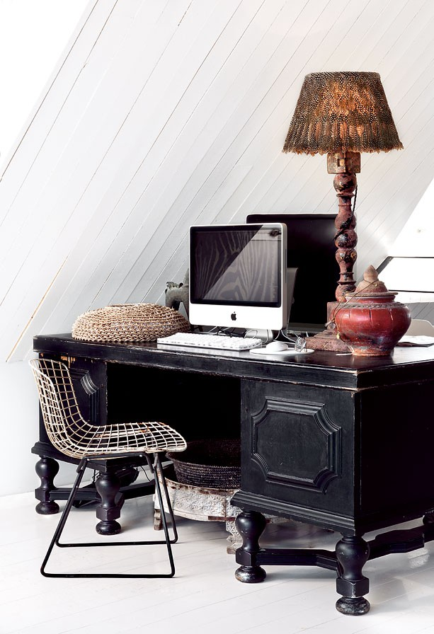 black desk, vintage and modern, home, office, decor, hemma_hos_Marie_Olsson_Nylander_15
