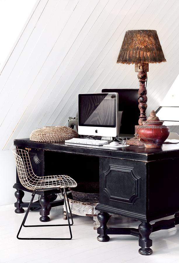 black desk, vintage and modern, home, office, decor, hemma_hos_Marie_Olsson_Nylander_15