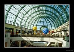 Mall of The Emirates (*Crazy Diamond*) Tags: roof mall shopping dubai uae shoppingmall unitedarabemirates sigma1530 mallofemirates emiratsarabesunis nikond300