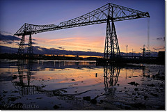 Middlesbrough Transporter Bridge (`^GufoAstuto^` is away (too busy with his new job)) Tags: bridge sunset england canon reflections flickr tramonto cleveland best ponte middlesbrough northeast teesside transporter inghilterra transporterbridge rivertees riflessioni niceimage micheletto nohdr 40d abigfave flickraward goldstaraward mirrorser superstarthebest gufoastuto fiumetees