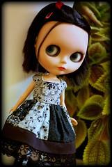 WAW - Ana in black
