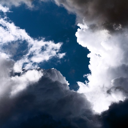 [Free Image] Nature/Landscape, Sky, Cloud, Dark Clouds, 201104061300