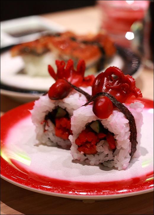 baby-octopus-sushi