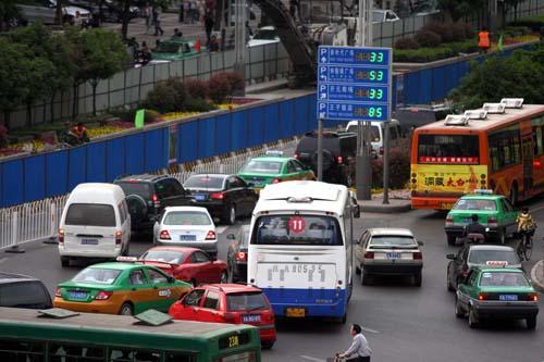 西安南北中轴线施工道路十分拥堵