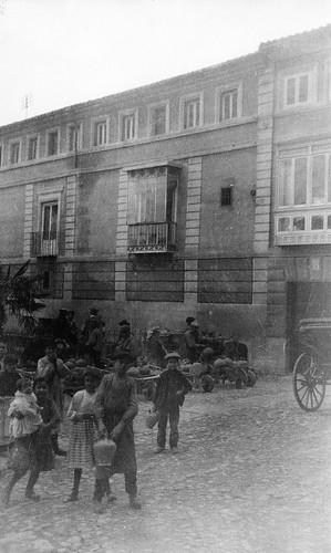 Plaza del Padre Juan de Mariana (Toledo) hacia 1915. Foto  de Anna M. Christian. The Hispanic Society of America