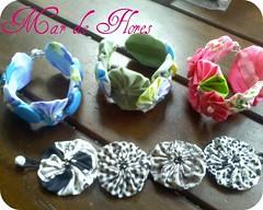 pulseira de fuxico (Mar de flores) Tags: flowers flores fuxico pulseira yoyo fux tecido croche fuxicos fuxicando crochetando fuxicãopicnik fuxicaria fuxic