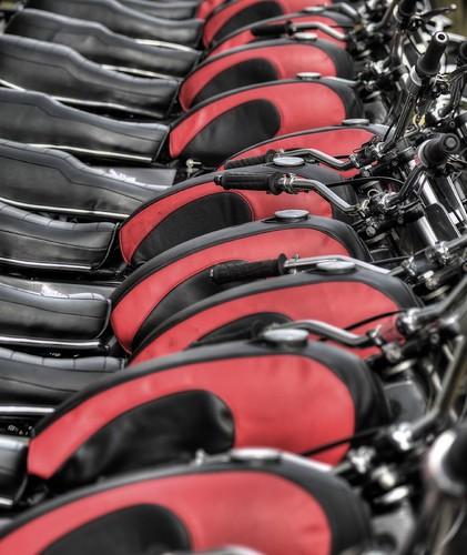 white helmets red tanks