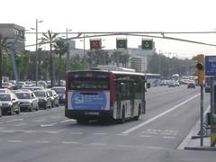 Autobús (Francis Lenn) Tags: barcelona city bus public buses europa europe transport catalonia transportation catalunya metropolitan metropolitano autobuses públic metropolita autobusos
