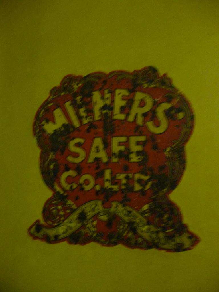 Safe 054