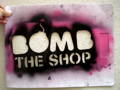 STENCIL BOMB THE SHOP (bombtheshop) Tags: amigos stencil stickers spray pegatinas bombtheshop pigskateshop