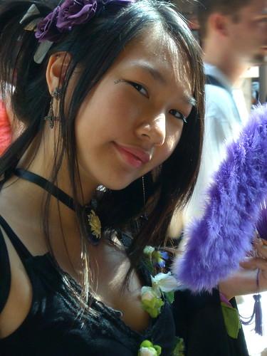 Lolita aux violettes