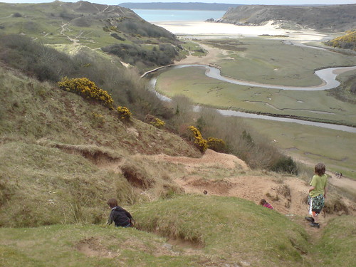 Three Cliffs Bay picture by Flickr User Thomas Guest