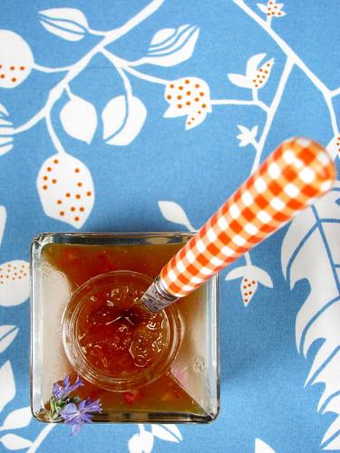 Marmellata di limoni e fiori di rosmarino