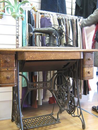 foot powered singer sewing machine