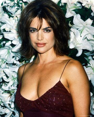 Bela aos 45-Lisa-Rinna1
