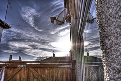 Sun Dish (Matt @ M.N.D Photography) Tags: sony handheld essex southend hdr cs4 a300 3xp photomatix handheldhdr skyiscreative mtrtrophyshot