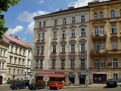 DSCN2979 (potet_jp) Tags: houses architecture buildings prague faades maisons may praha facades mai 2009 tchque btiments czeck tchquie